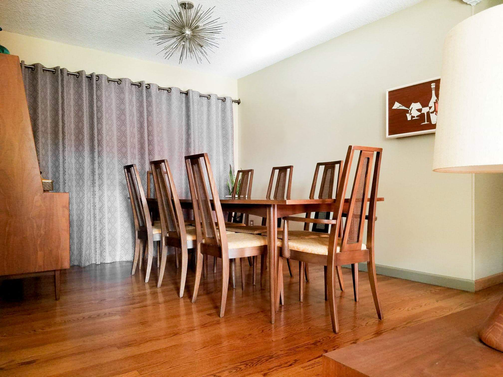 Broyhill Emphasis Series Mid Century Dining Table and Chairs_4