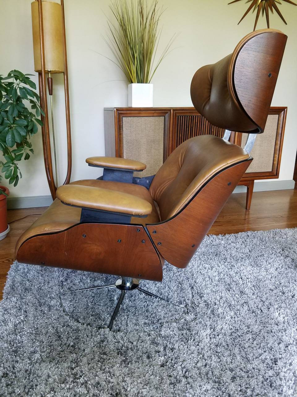 Vintage Mid Century Bentwood Lounge Chair2