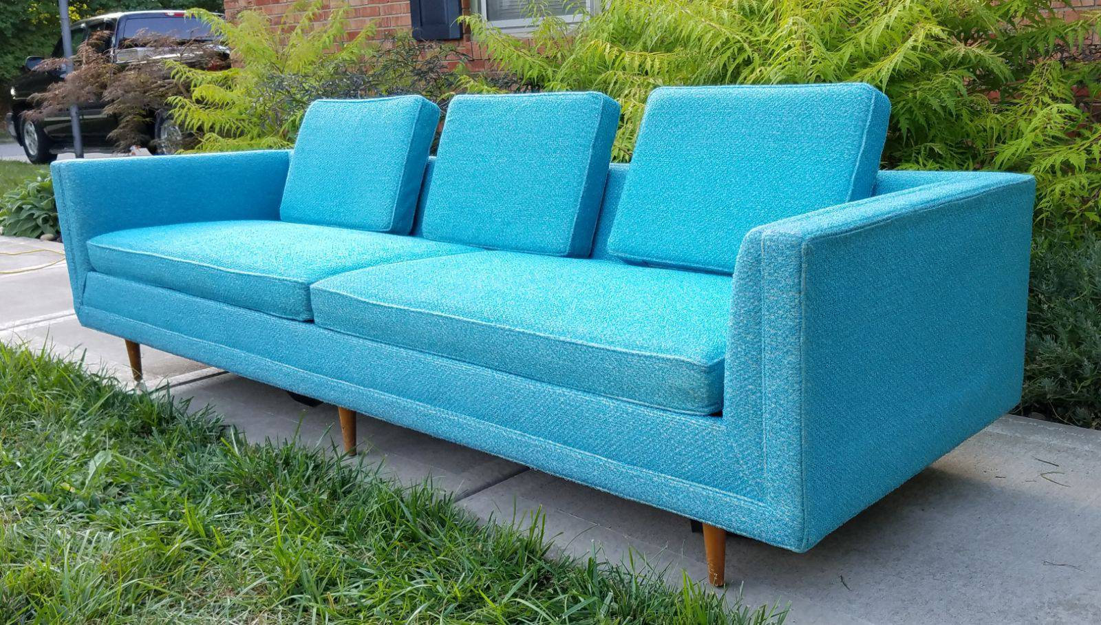 Turquoise Mid Century Sofa in Like New Condition_2