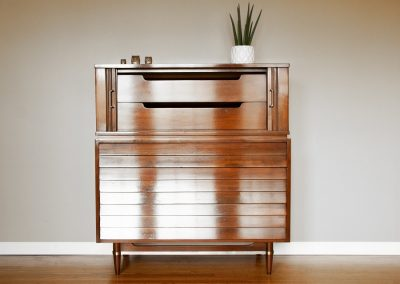 Mid-Century American of Martinsville Dania Series Gentleman's Chest_8