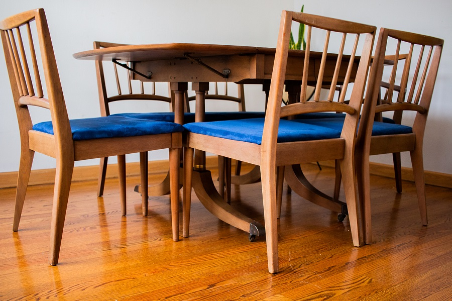 SOLD ~ Mid-Century Gordon's Furniture Dining Table w/ Six Chairs