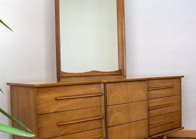 United Furniture Co. Mid Century Triple Dresser and Mirror_3
