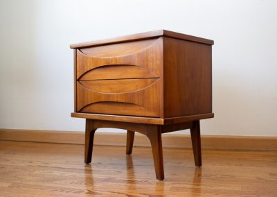 Mid Century Modern Nightstand by United Furniture Co._4