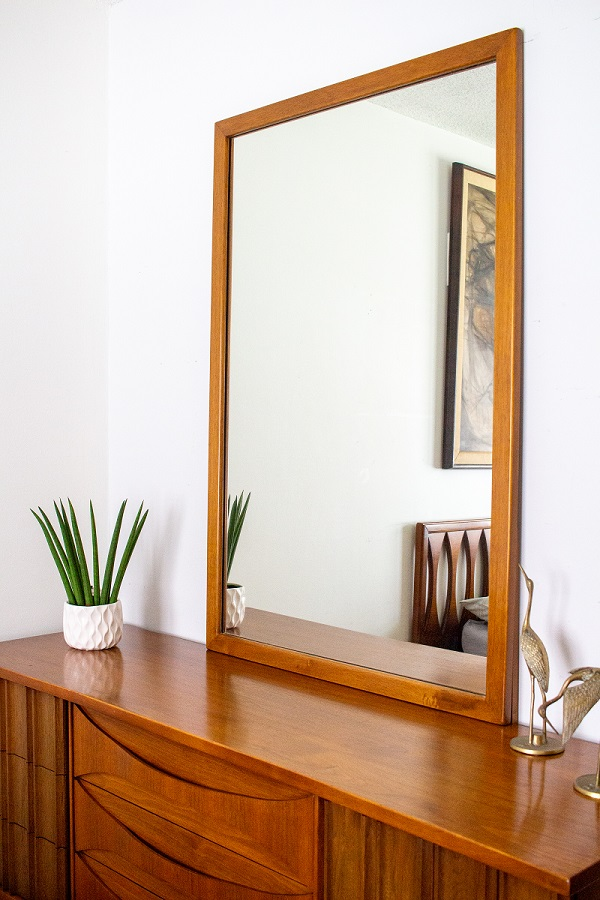 Vintage Mid Century Modern Triple Dresser and Mirror