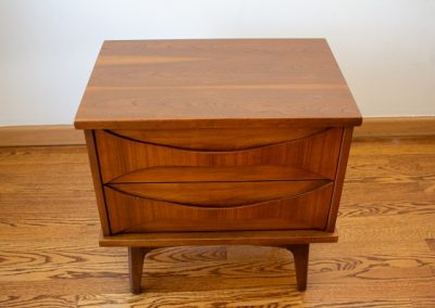 Mid Century Modern Nightstand by United Furniture Co._2