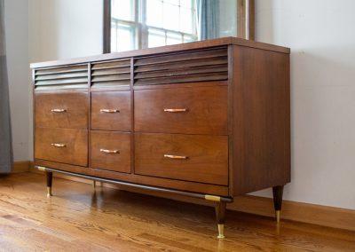 Mid Century Modern Triple Dresser with Mirror_4