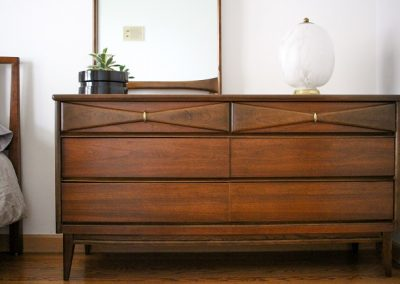 Bassett Mid Century 6 Drawer Double Dresser and Mirror_9