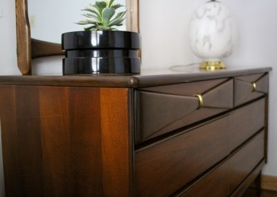 Bassett Mid Century 6 Drawer Double Dresser and Mirror_5