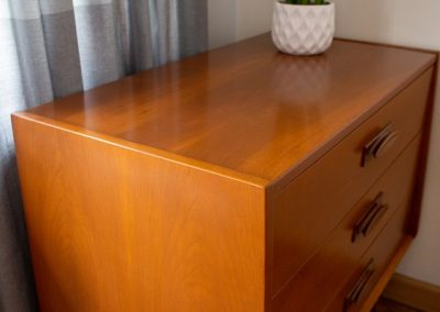 United Furniture Co. Mid Century 3 Drawer Chest_3