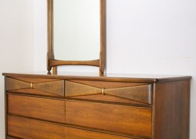 Bassett Mid Century 6 Drawer Double Dresser and Mirror_6